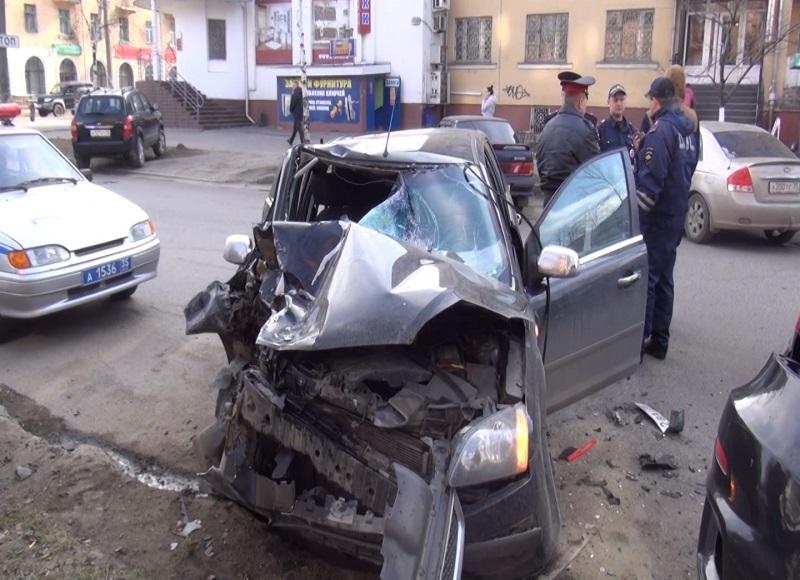 Водителя, сбившего насмерть пешехода в Вологде на улице Козленской, приговорили к 5,5 годам тюрьмы