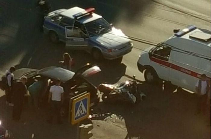 Очевидцы ДТП на Ленинградской в Вологде: мотоциклист улетел на 15 метров