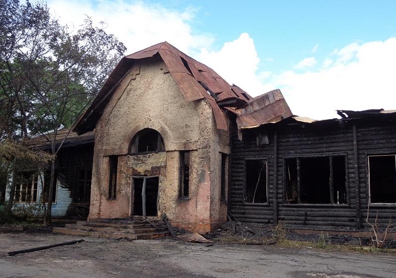 Предварительная причина пожара в бывшей станции туристов в Вологде - поджог