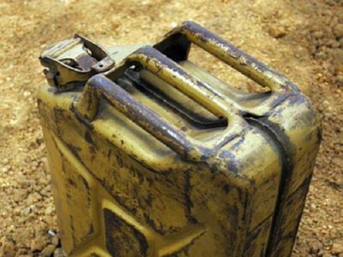 Погибший в Вологодской области подросток мог отравиться парами бензина