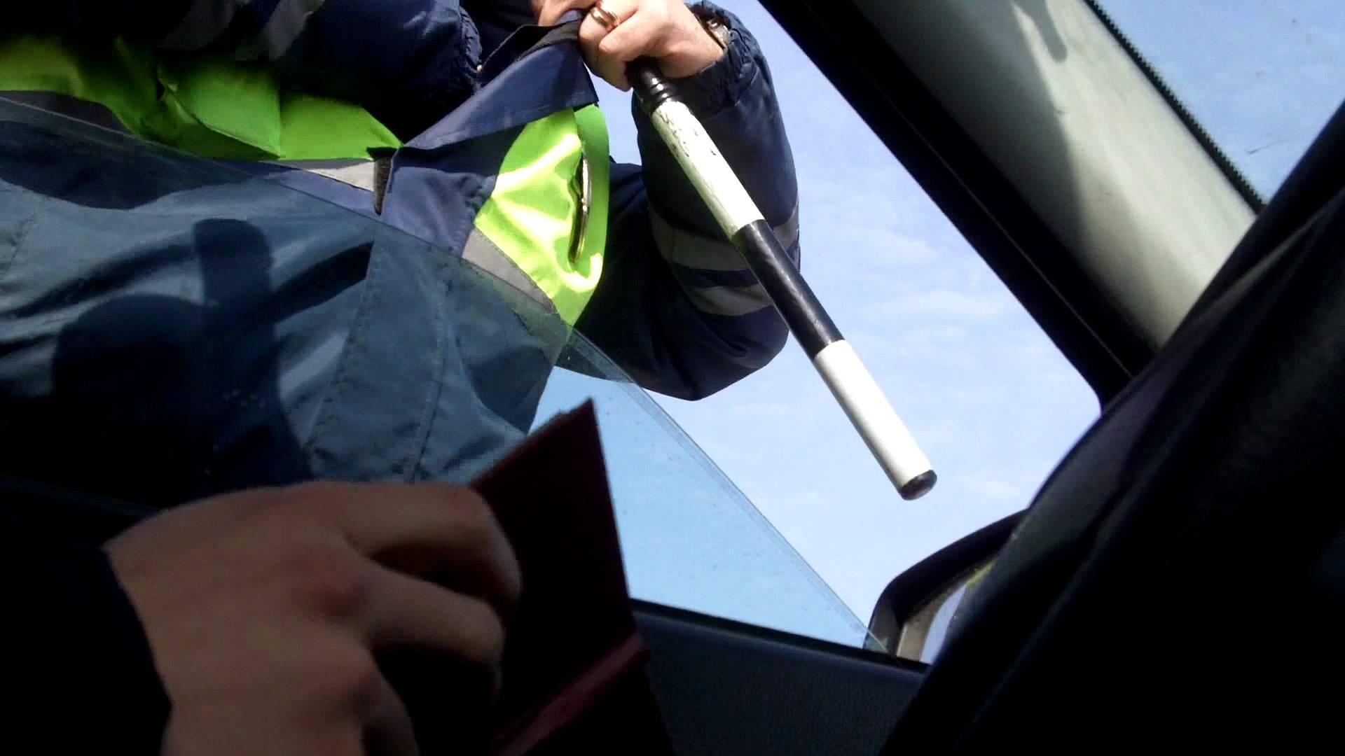 В Череповце задержали водителя без прав, который повторно сел пьяным за руль