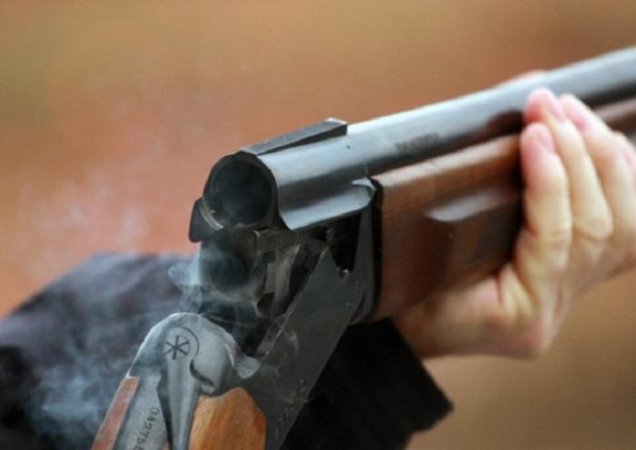 Пьяный житель поселка Молочное стрелял из ружья во дворе дома