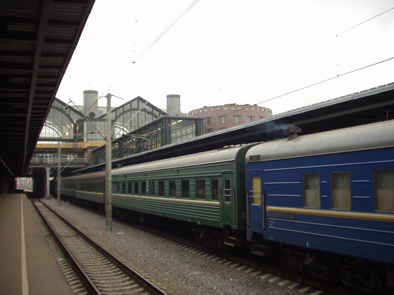 15 осужденных вскрыли себе вены в поезде Вологда-Мурманск