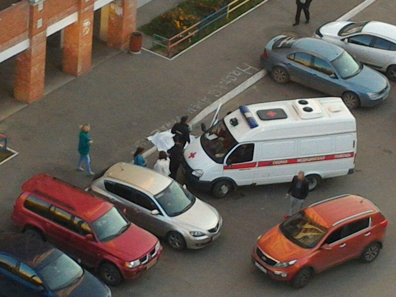 11-классница упала с 11 этажа в Вологде и разбилась