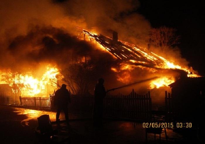 В Кич-Городке сгорели два многоквартирных дома и магазин