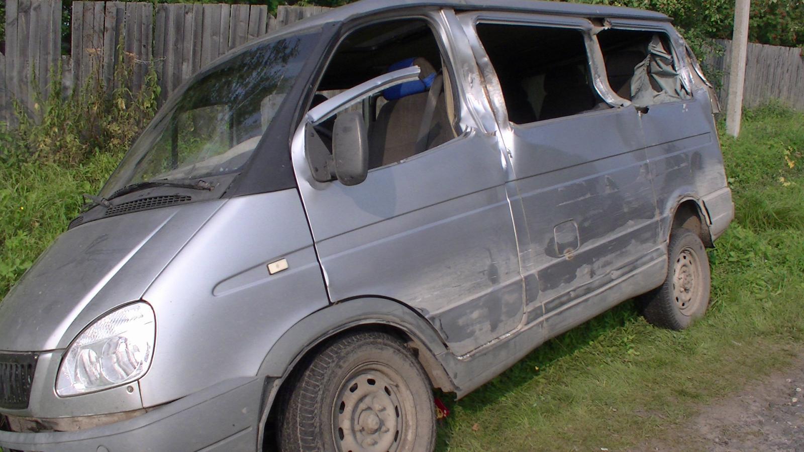В Харовском районе пьяный водитель «ГАЗели» в тумане врезался в грузовик