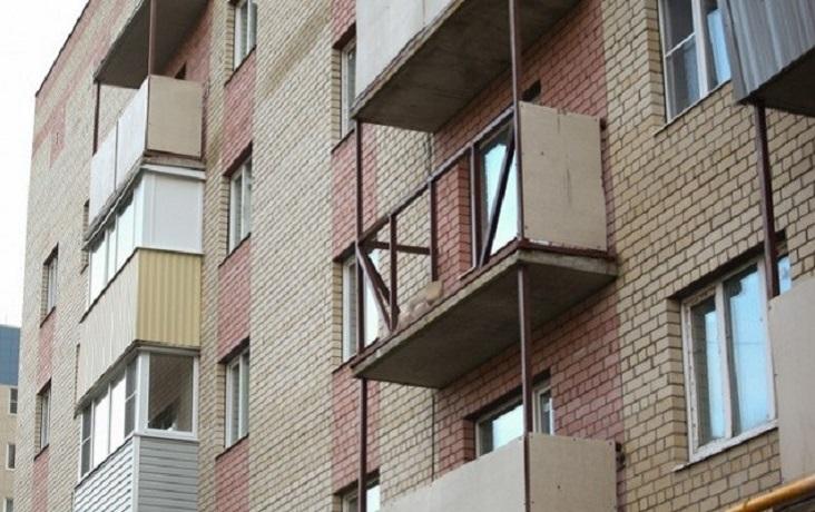 Правительство области о гибели упавшей с балкона череповчанки: «Это некое упущение со стороны УК»