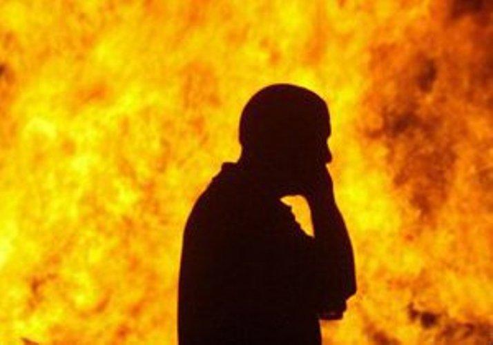 В Бабаевском районе задержали мужчину, который заживо сжег свою беспомощную мать