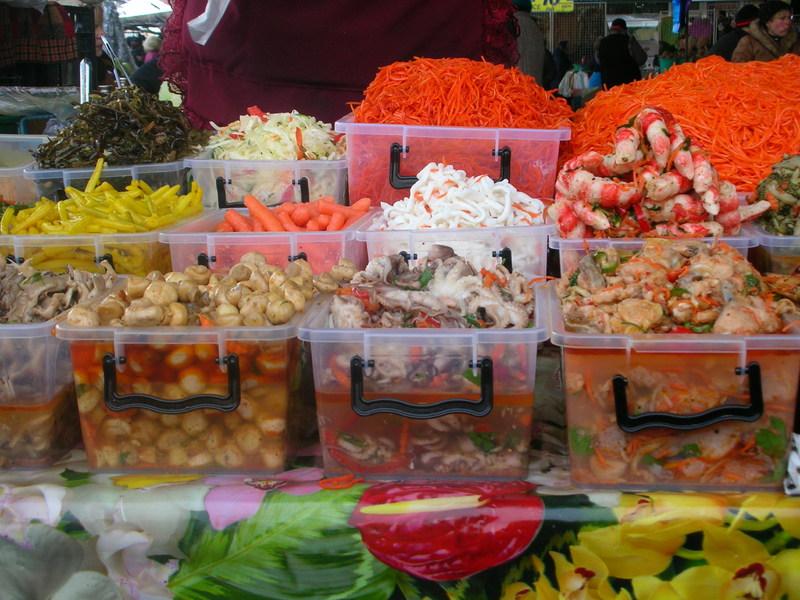 "В супермаркете ""Аллея"" в Вологде из-за антисанитарии закрыли цех с салатами"