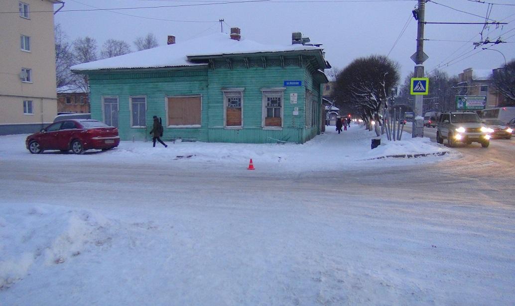 Двух детей сбили на пешеходных переходах в Вологде и Череповце