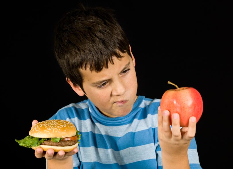 Из-за фастфуда и газировок подростки в Вологде все чаще страдают от заболеваний пищеварения