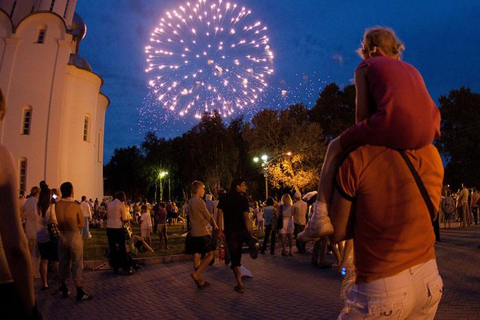 «Валенок-шоу», цветочно-сувенирный карнавал и фестиваль джазовой музыки ожидают вологжан в День города