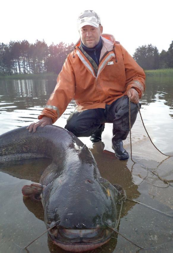фото рыбаков с сомом
