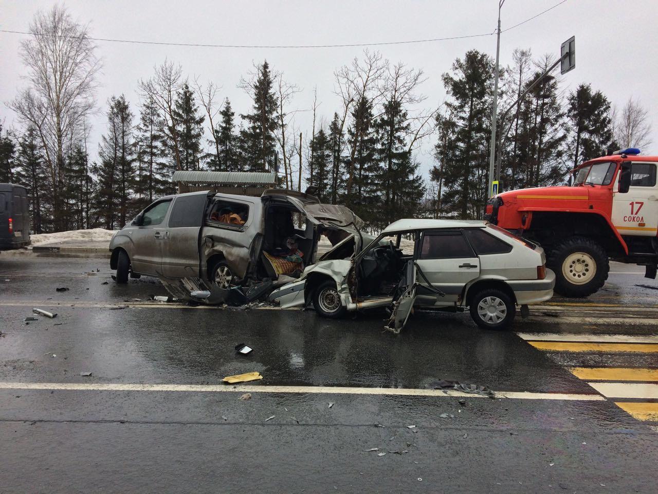 Три человека получили травмы в ДТП вблизи деревни Оларево в Сокольском районе
