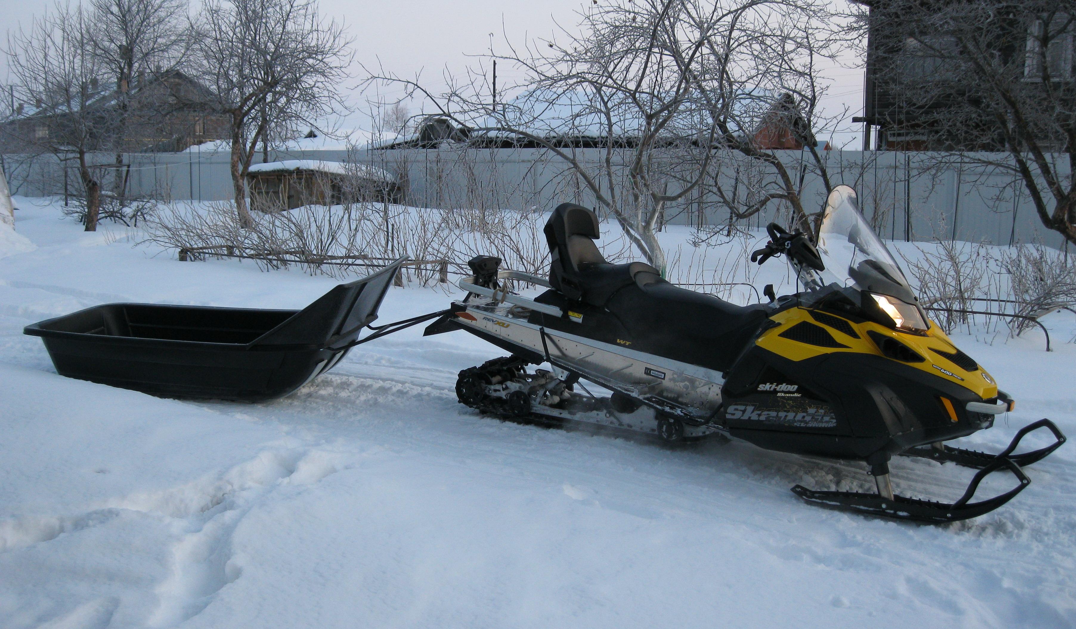 В Вожегодском районе приставы доставили алиметщика в отдел на снегоходе в санях-волокушах