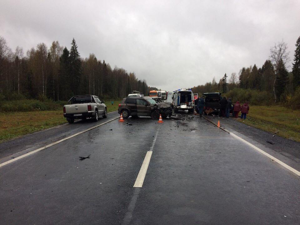 Три человека погибли в аварии с микроавтобусом в Сокольском районе
