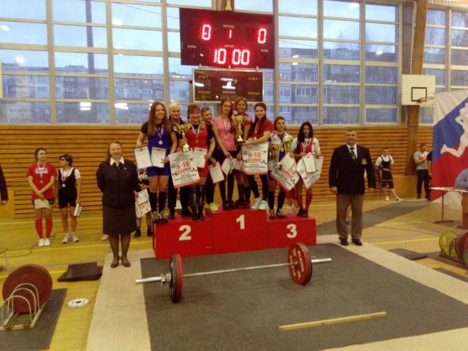 Вологжане завоевали шесть золотых медалей на Чемпионате СЗФО по пауэрлифтингу