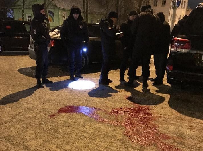 Два человека попали в больницу после стрельбы из травмата возле ресторана «Белладжио» в Вологде