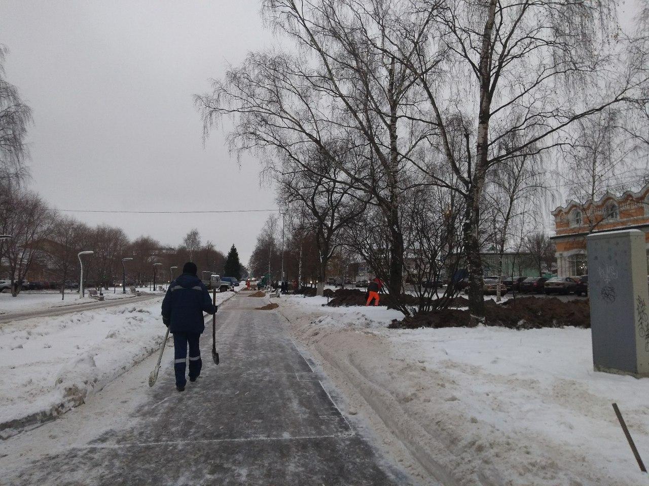 Новые фонари на аллее проспекта Победы будет устанавливать «Дорремстрой»
