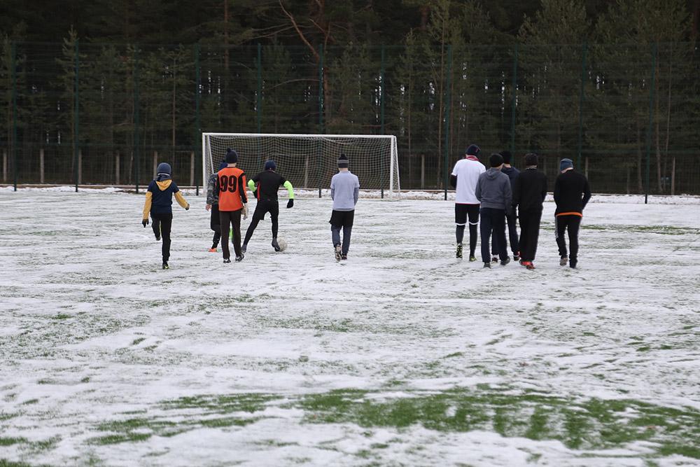 В Липином Бору завершился первый этап реконструкции футбольного стадиона