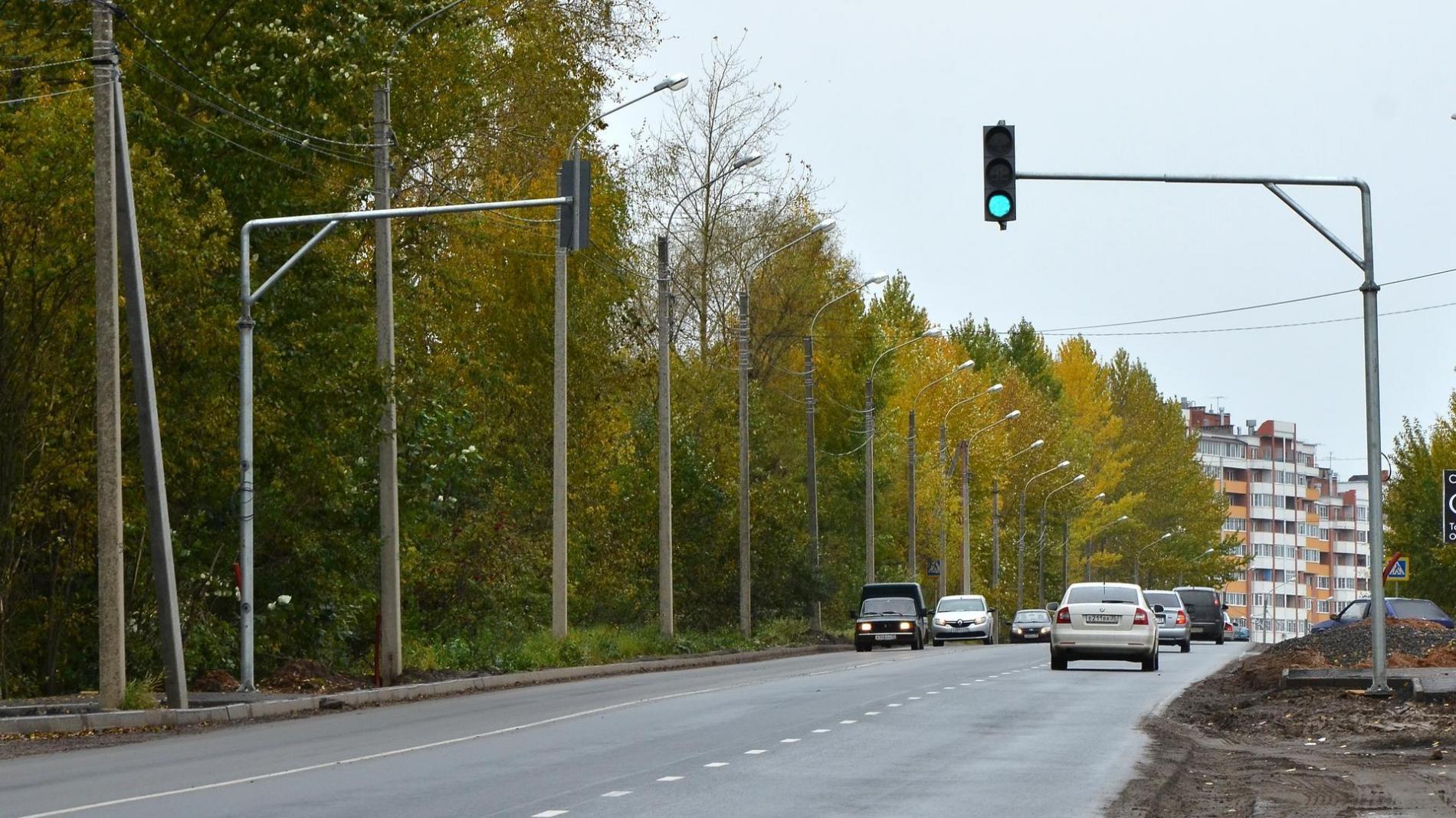 Новый светофор на Окружном шоссе помогает собирать информацию о ситуации на дороге