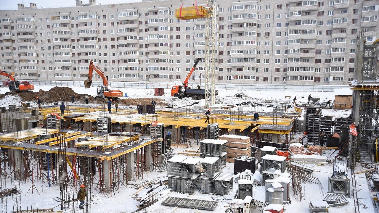 Отставание от графика строительства школы на Северной в Вологде сократилось в два раза