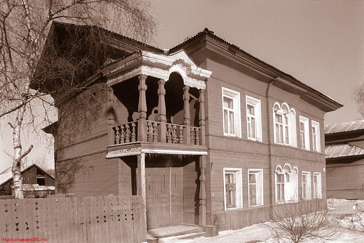 За снос исторического дома на улице Чернышевского вологодского бизнесмена Игоря Смирнова оштрафовали на 30 тысяч рублей