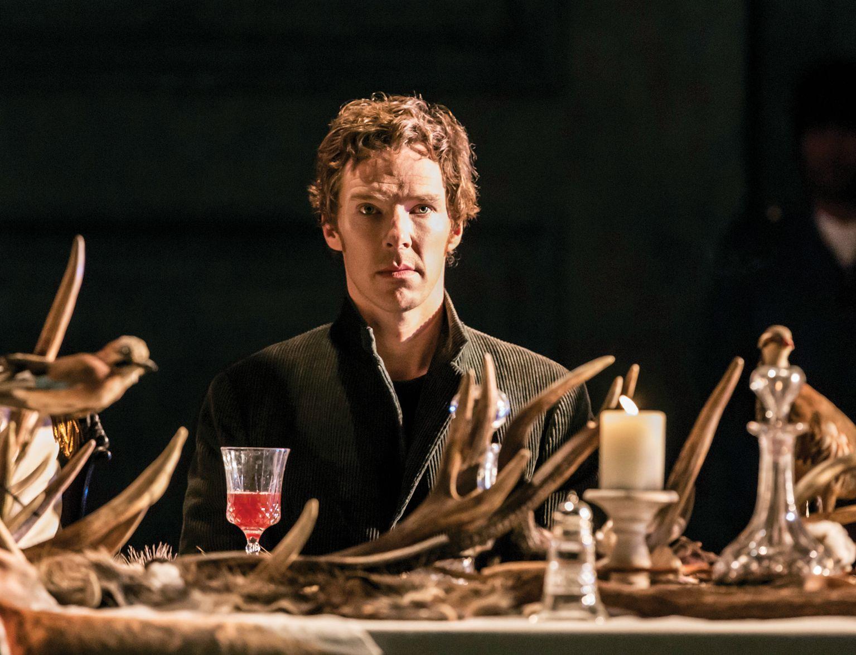 В «Ленкоме» пройдет трансляция постановки «Гамлет: Камбербэтч» со сцены театра «Барбикан»