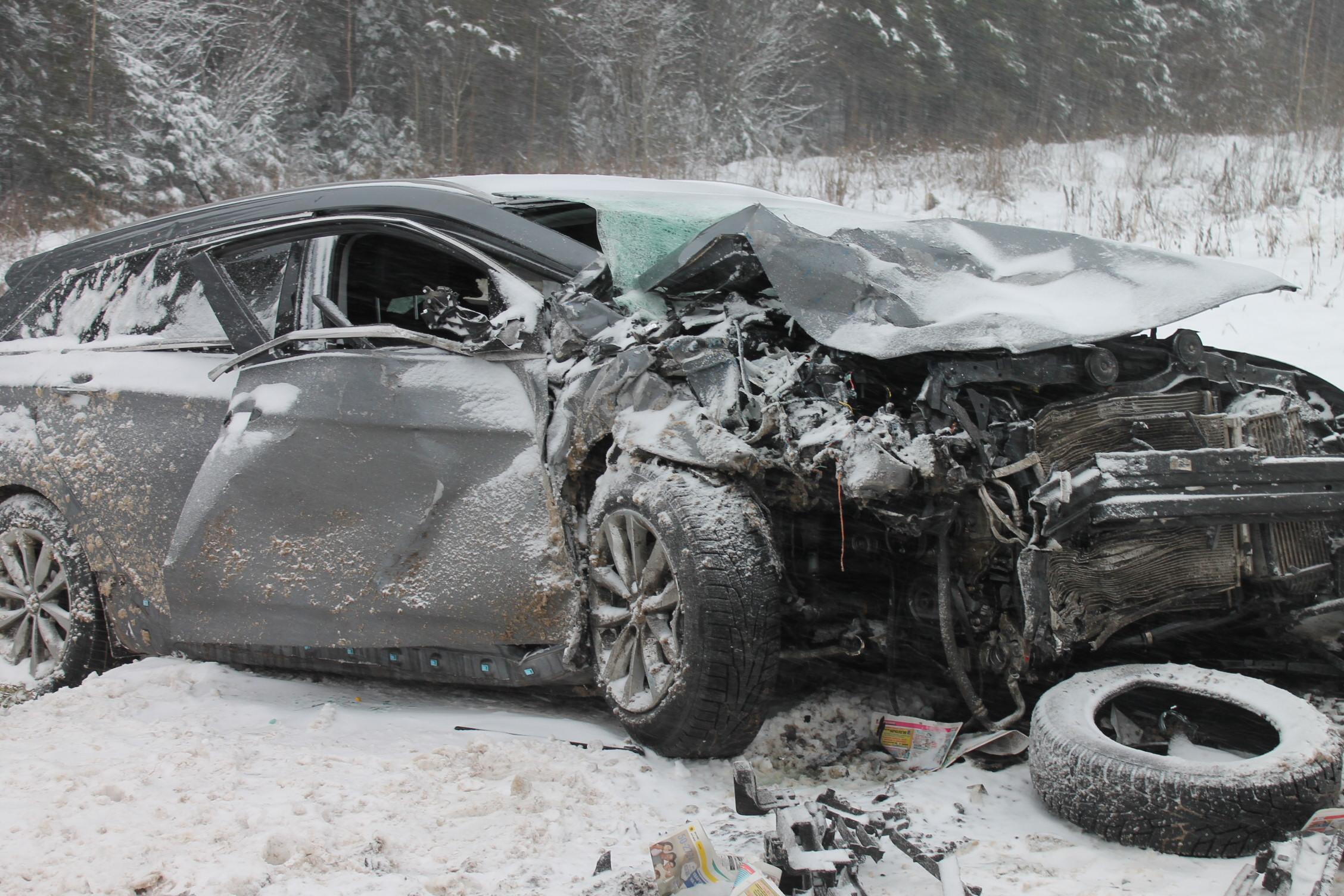 В Верховажском районе в столкновении двух иномарок погибла 34-летняя женщина