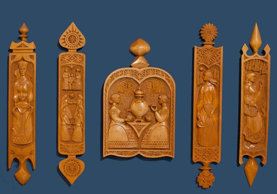 Деревянные скульптуры, маски, настенные панно: в Вологде откроется выставка «Резные чудеса» Виктора Шумилова