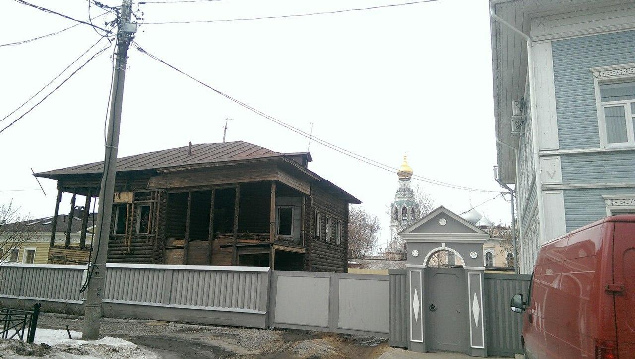 В Вологде ремонтируют памятник архитектуры на Торговой площади, 13