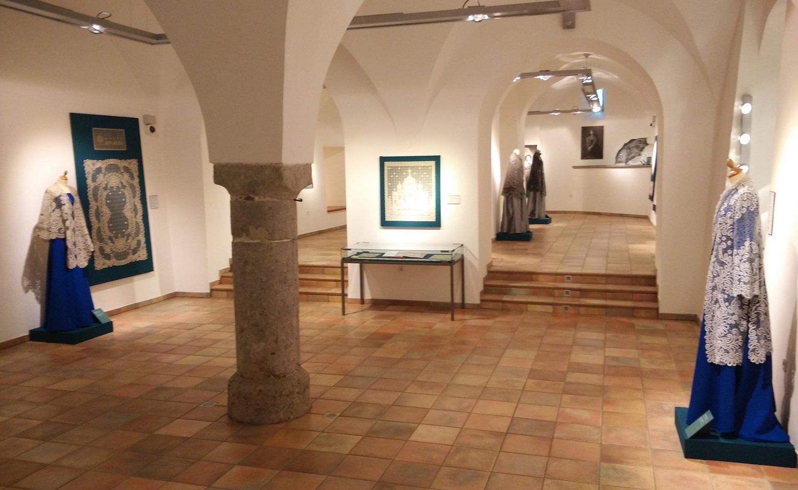 В вологодском Музее кружева пояснили, почему к ним не пускают посетителей с детскими колясками
