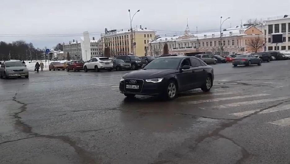 Фотокамера за 150 тысяч, ремонт Audi и обеды для важных персон: NewsVo изучил стратегические расходы заксобрания Вологодской области