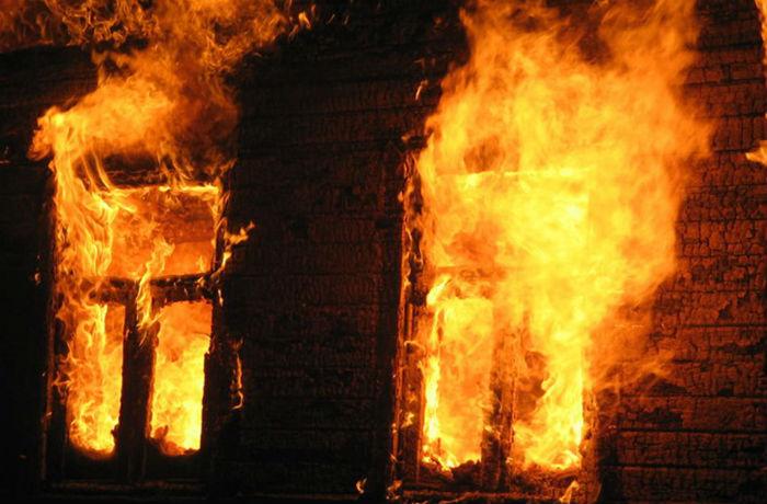 Четыре человека погибли в результате пожара в Тотьме