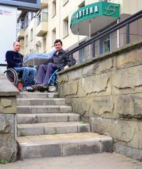 Спустя год после Паралимпиады в Сочи не работает ни один городской подъемник для инвалидов