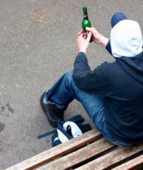 Детский омбудсмен встретилась с пьющими подростками в Вологде