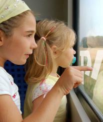 Школьникам хотят разрешить ездить в поездах за полцены еще и на каникулах