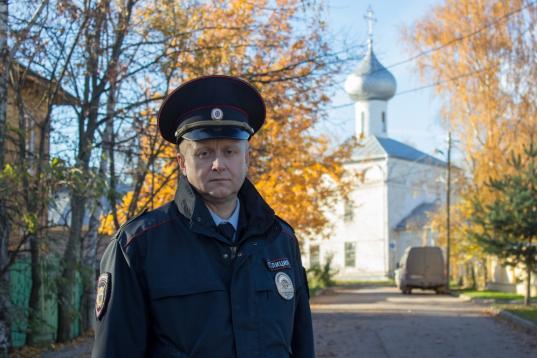 Полицейский Андрей Макаренко из Вологды прошел в финал всероссийского конкурса участковых