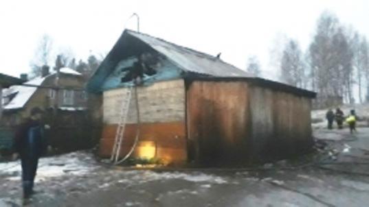 В Красавино неизвестные подожгли шиномонтаж местного жителя