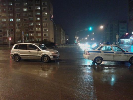 """В Череповце 10-летний мальчик на самокате попал под колеса машины на """"зебре"""""""