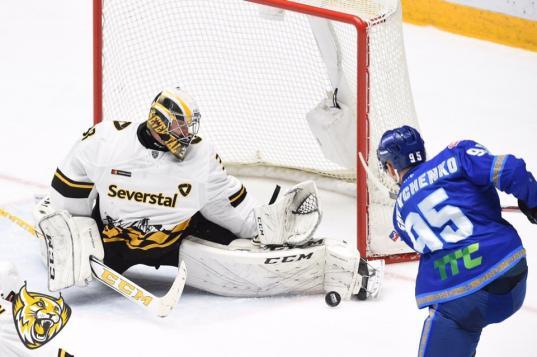 Череповецкая «Северсталь» проиграла казахстанскому «Барысу» со счетом 0:3