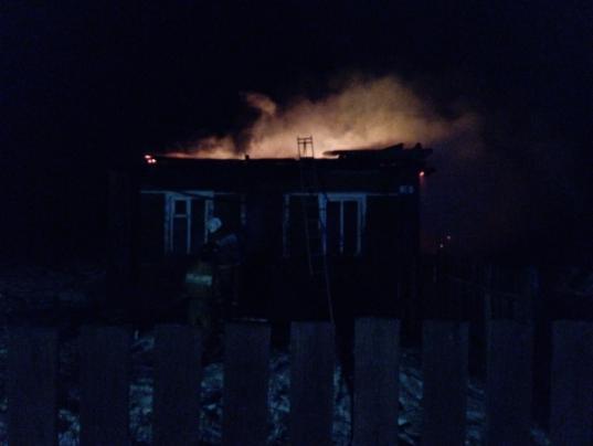 В Чагоде семья с четырьмя детьми осталась без крыши над головой из-за пожара