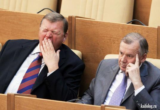 Депутатам и сенаторам в России разрешили отказаться от доплат к пенсии