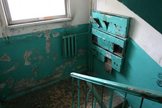 Жители дома в поселке Тоншалово за два года переплатили за содержание жилья около 114 тысяч рублей