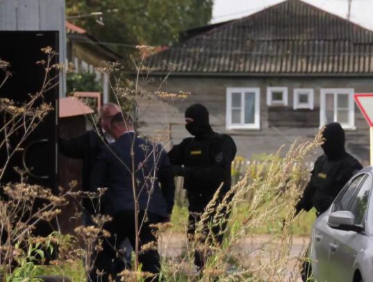 В интернете появилась петиция в защиту бабаевского оперативника, боровшегося с черными лесорубами
