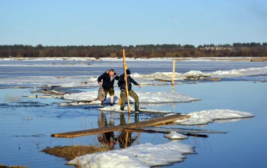 Мост через Малую Северную Двину, соединяющий Великий Устюг и Кузино, строить не будут