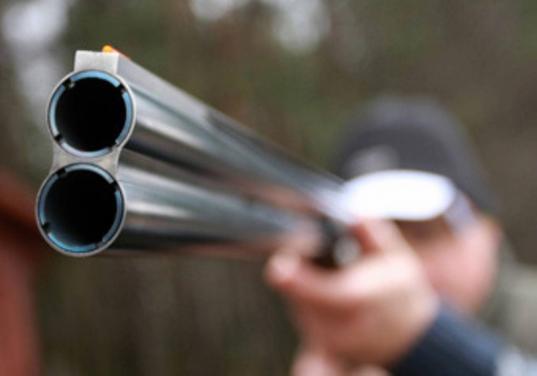 Охотник, которого подстрелил во время охоты браконьер, спустя месяц умер в больнице Череповца