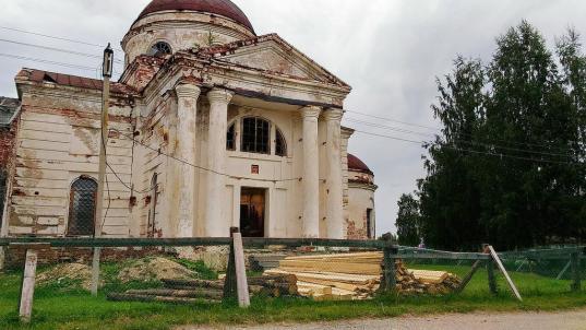 В Кириллове за 2,9 млн рублей отремонтировали Казанский собор
