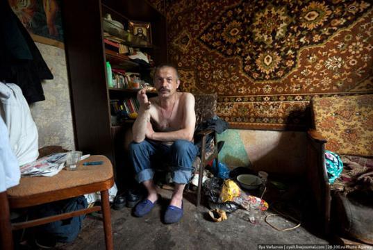 В Вытегре администрация выселила пьяницу из муниципальной квартиры через суд