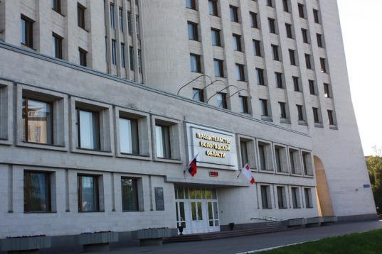 В правительстве Вологодской области закупят бюджетные малолитражки вместо дорогих внедорожников